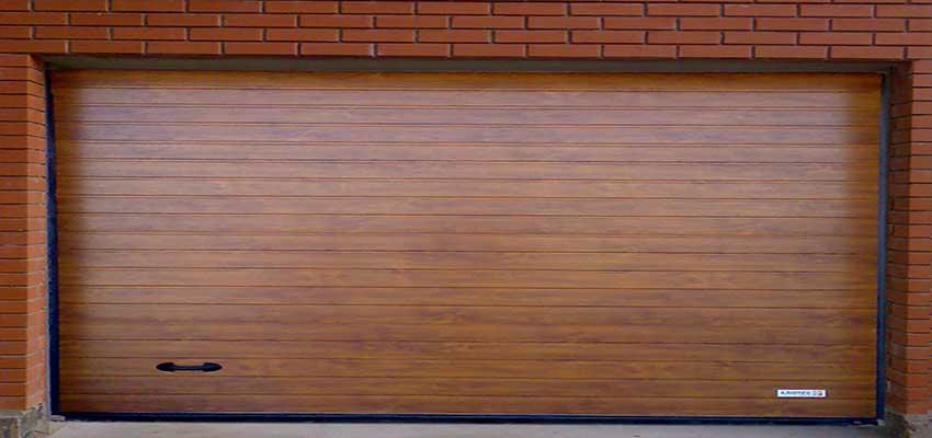 Гаражные секционноые ворота фактура S-гофр, Золотой Дуб цвет Сан-Строй-Уфа